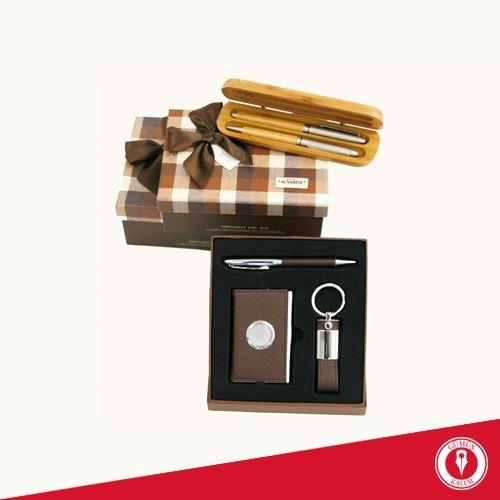 Öğretmenler Günü' ne özel en güzel hediyeler www.gumuskalem.com.tr' de ve mağazalarımızda sizi bekliyor!