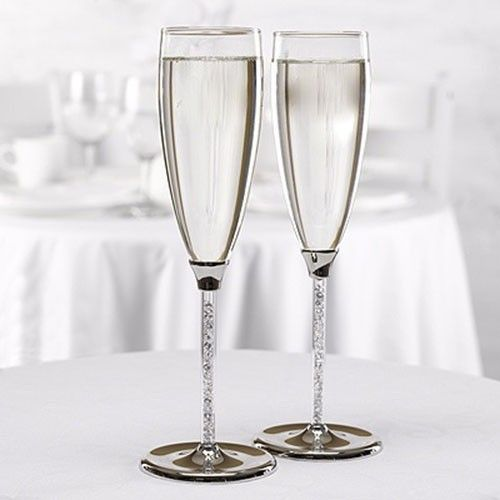 Copas de boda con cristal checo (tipo Swarovski) #hermosas #elegantes #únicas de nuestra #tienda #ondinecollection en la base de la copa puedes encontrar piedras brillantes #cdmx2017