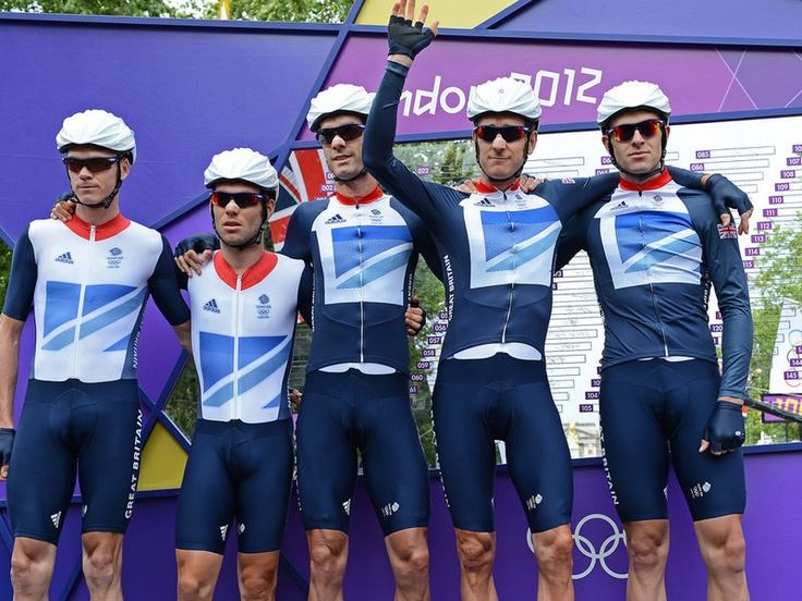 Team Sky | Pro Cycling | Olympic Games | Latest News | Men's road race gallery | The Team GB squad are presented to the crowd - Chris Froome, Mark Cavendish, David Millar, Bradley Wiggins and Ian Stannard