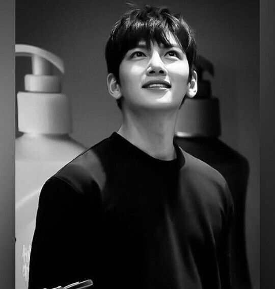 Ji Chang Wook <<< there are always some small things in the world that come along and make life worth living. That smile is one of them <3