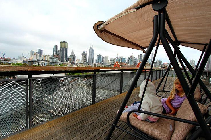 Budget Accommodation in Melbourne, Australia - YHA Metro Hostel