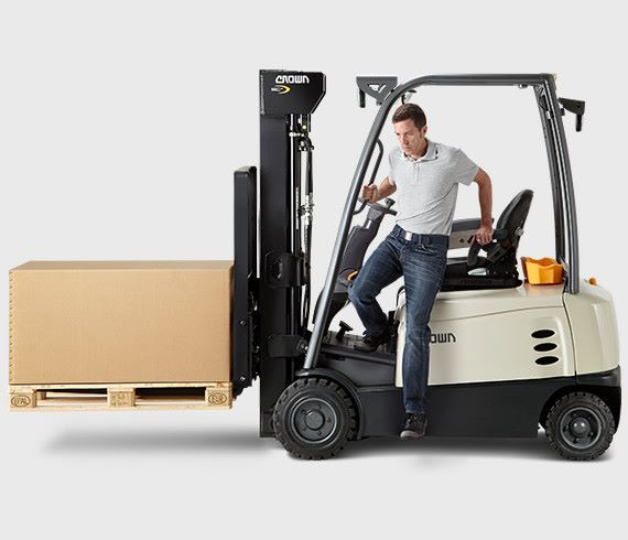Operators Benefit From The Sc Series Operator Focused Ergonomics Superior Visibility Ease Of Entry And Exit And Int Forklift Safety Forklift Safety Training
