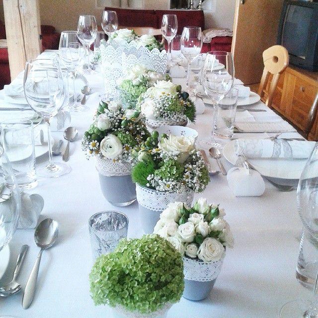 Der Tisch ist gedeckt, die Kommunionfeier kann beginnen!