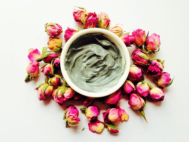 Charcoal detox DIY Face Mask, leaves your skin fresh, clear and nourished