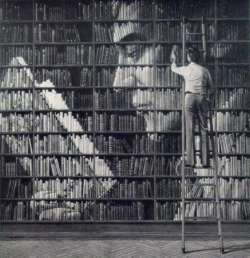 Η ΔΙΑΔΡΟΜΗ ®: Τέχνη με εξώφυλλα βιβλίων