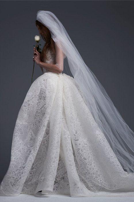 Готическая невеста: «средневековые» свадебные платья Vera Wang   Журнал Cosmopolitan