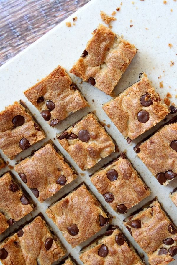 Chocolate Chip Peanut Butter Bars via @recipegirl