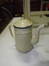 ANCIENNE CAFETIERE VERSEUSE TOLE EMAILLEE CREME