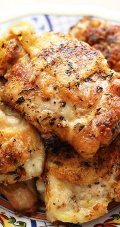 Pan-Fried Italian Chicken Thighs Recipe ~ The chicken turns out incredibly juicy with a crisp skin every time.
