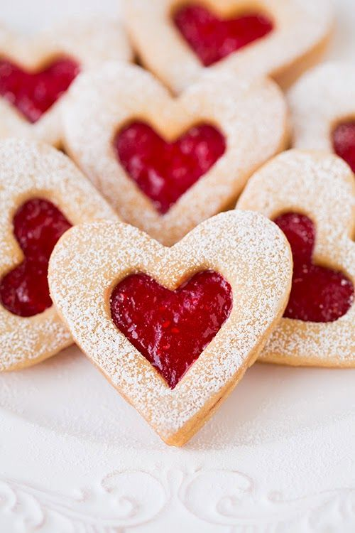 Sweets for your Sweetie // Linzer Heart Cookie Recipe