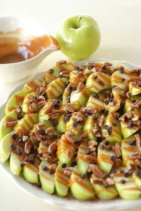 Great nacho snack! Carmel apple nachos #hgeats