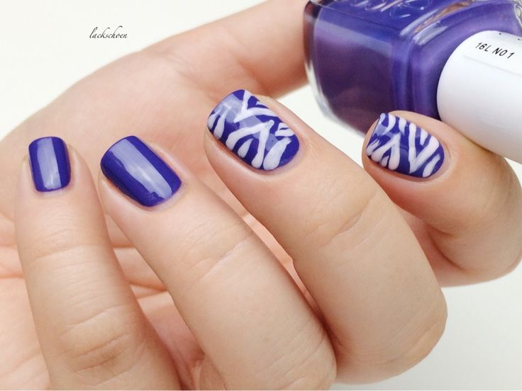 lackschoen: [ Nagelkunst ] Zebra