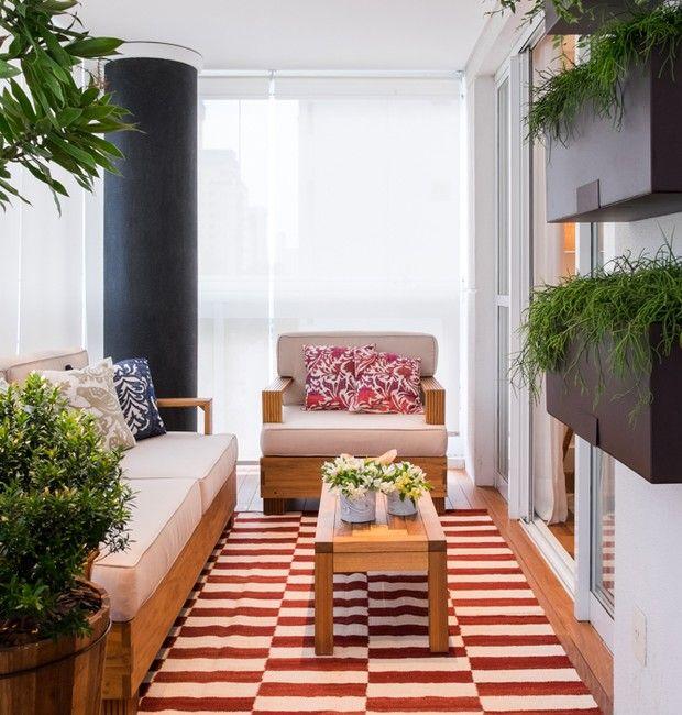 Aumentar a sala com a varanda? Use deque de madeira