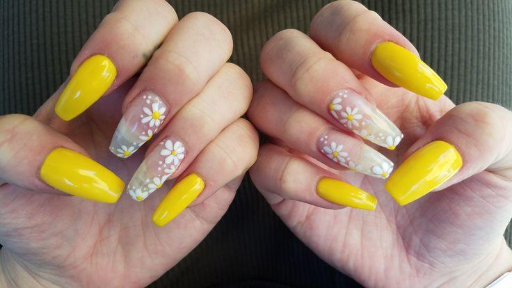 daisy nails ideas