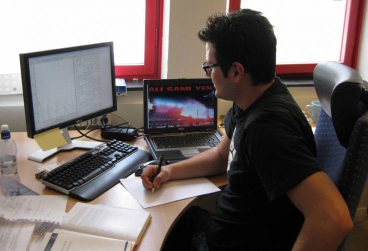Jak zdobyć dyplom przez internet? E-learning to przyszłość studiów