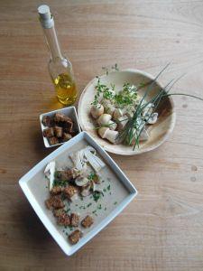 Zomerpaddenstoelensoep met truffelolie