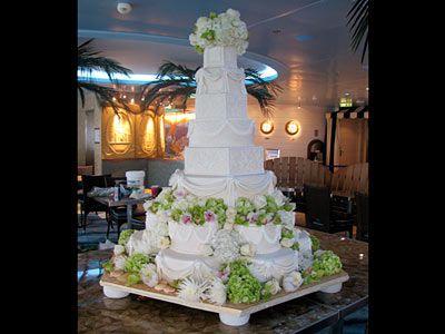 Cake Boss Buddy's vow renewal cake