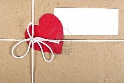 Resultados de la Búsqueda de imágenes de Google de http://us.123rf.com/400wm/400/400/alexan66/alexan661002/alexan66100200009/6372993-paquete-de-papel-con-la-tarjeta-de-san-valentin.jpg: Tarjeta Scrappbook, Valentín Ideas, Tarjetas En