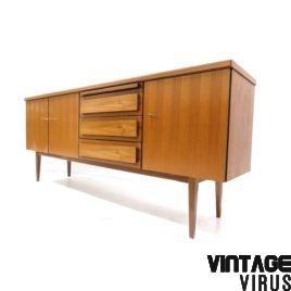 [:en]Mid century sideboard[:nl]Vintage dressoir