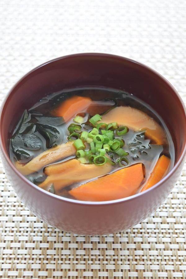 干し椎茸・にんじん・わかめ味噌汁 by 豊田 亜紀子 | レシピサイト ...