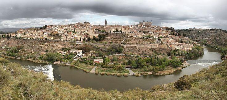タホ川に囲まれた風景 中世の雰囲気抜群!スペインの世界遺産「古都トレド」が美しすぎて必見