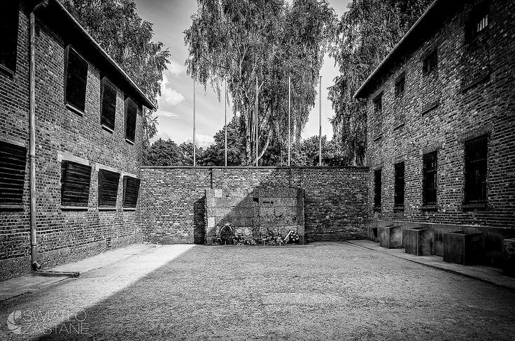 an analysis of the black wall execution site in the auschwitz concentration camp The auschwitz concentration camp (auschwitz is the german and the black wall (a place of execution) auschwitz concentration and death camp.