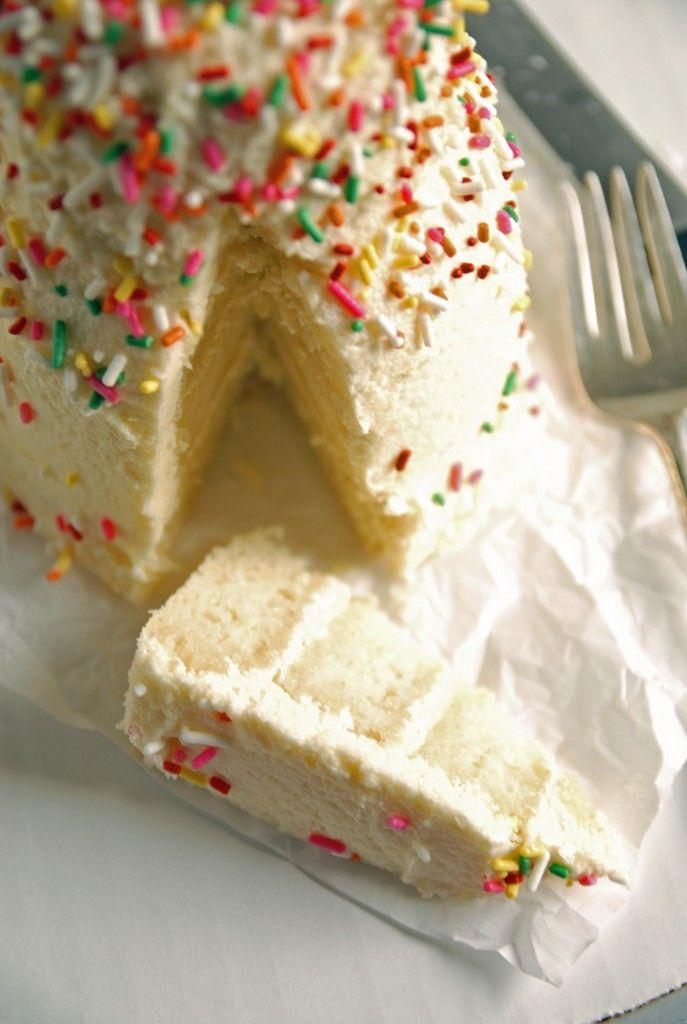 Lemon Layer Cake with Lemon Buttercream Frosting // @thefrostedvegan