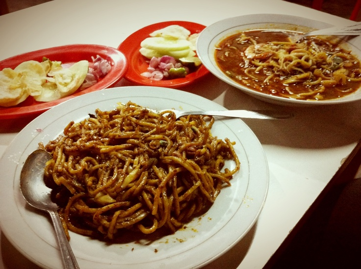 Aceh curry noodle. Indonesian food