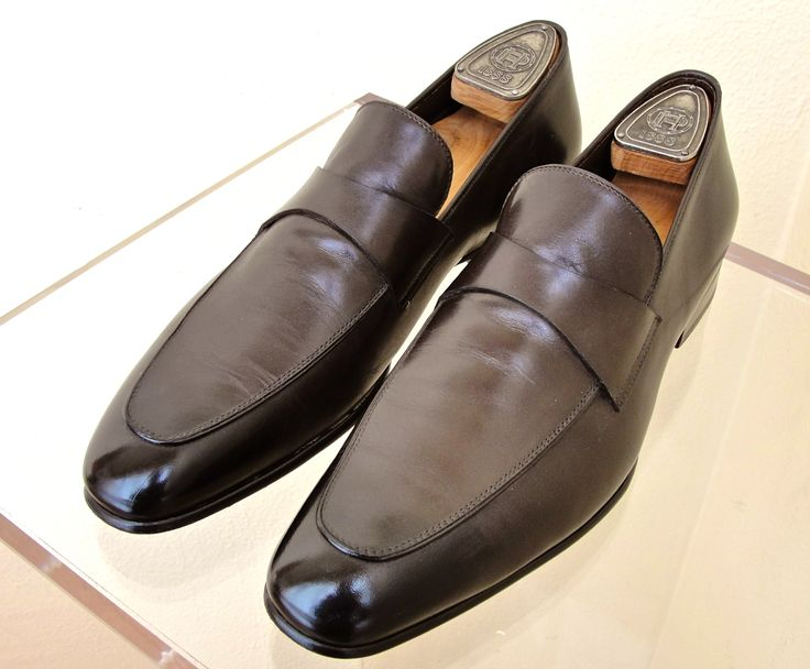 Tom Ford men´s shoes  Clothing and accessories VTG and Pre-loved Visit our website: www.luxuryandvintagemadrid.com