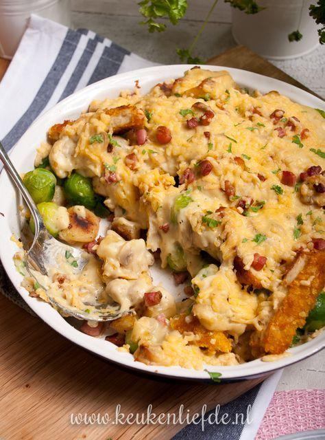 Spruitjes-ovenschotel met kip en champignonsaus