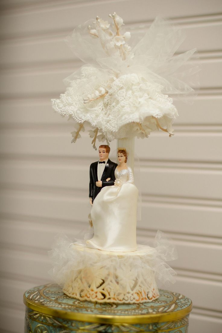 wedding cake topper mom dad baby 36 best our beautiful vintage wedding images on 26356