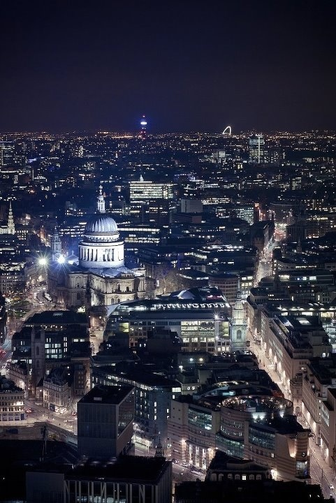 .St Pauls by night