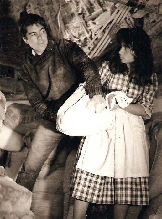 """Η Δέσποινα Στυλιανοπούου με τον Γιώργο Οικονόμου στην πρώτη ταινία που γύρισε με τίτλο """"Θεοί και Δαίμονες"""""""