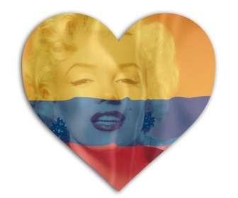 Ejemplo: Montaje para foto de perfil de las redes sociales en el que puedes poner la bandera de Colombia con forma de corazón junto con tu imagen de fondo.