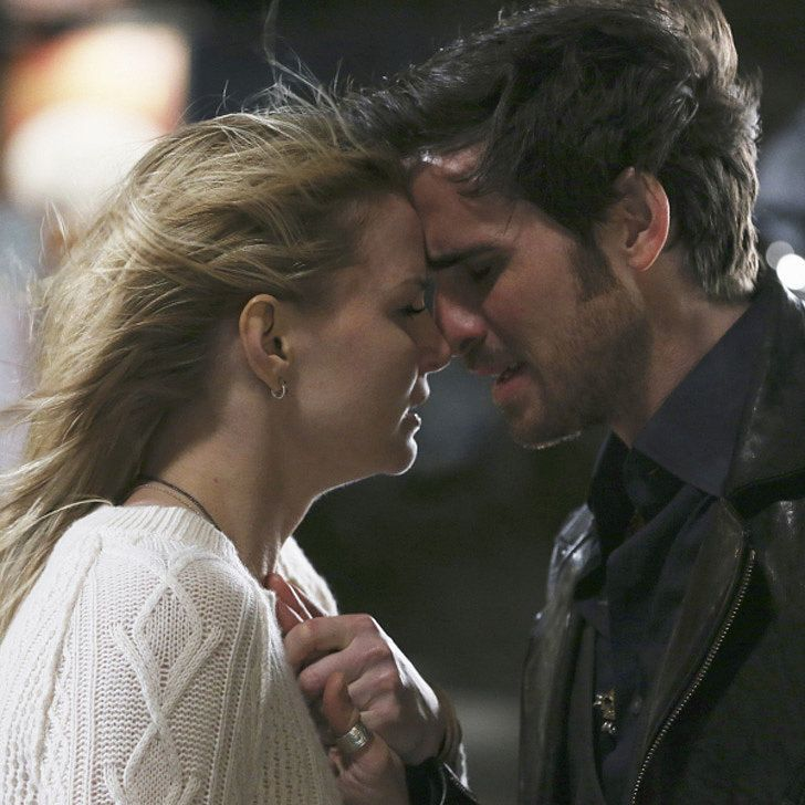 "Once Upon a Time Interview: Brace Yourself For Emma and Hook's ""Difficult"" Season"
