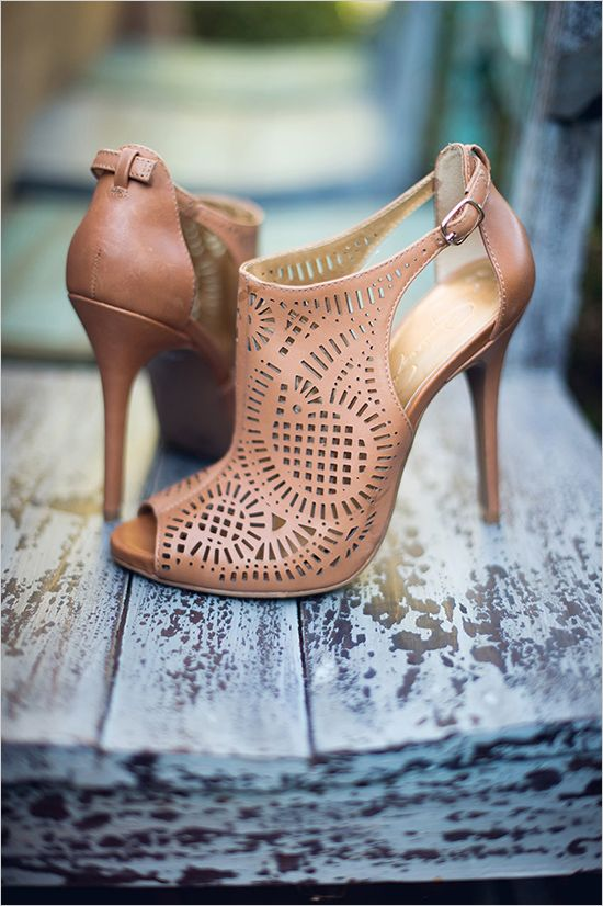 Jessica Simpson wedding shoes #weddingshoes @weddingchicks
