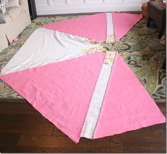 Remodelaholic | Kid's Fabric Tee-Pee Tutorial!