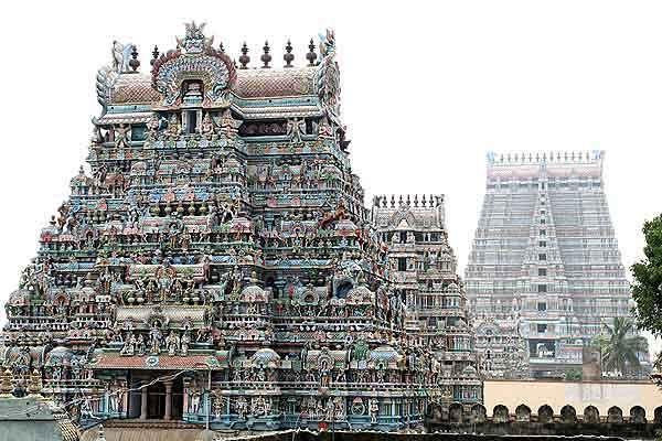 .The Temple of Srirangam (Sri Ranganathaswamy Temple), in the Indian city of Tiruchirapalli (or Trichy)