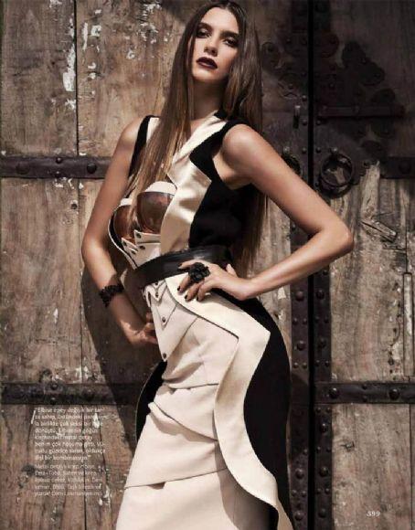 Leyla Tuğutlu - InStyle Magazine Pictorial [Turkey] (October 2012)