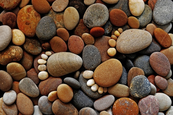 Here's a creative idea worth sharing! Amateur photographer Ian Blake' has used only pebbles to create a unique footprints!: Gardens Stones, Footprint Art, Stones Art, Foot Prints, Mothers Earth, Iain Blake, Stones Footprint, Stones Feet, Art Pictures