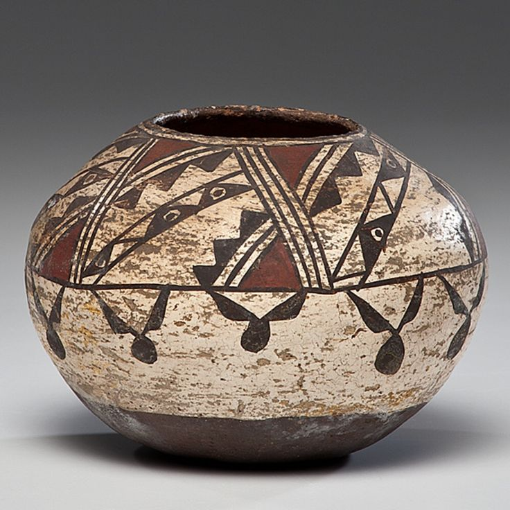Zuni Polychrome Jar, fourth quarter 19th century. Cowan's. 4/12/2012 – American Indian Art, Cincinnati.