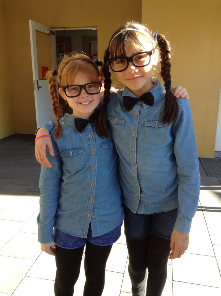 BFF - It Was Twin Day At School Ufe0f | Halloween | Pinterest | Homecoming Spirit Week Twin ...