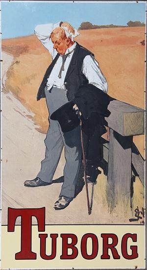 """Erik Henningsen stort emaljeskilt. Tuborg, """"Den tørstige mand"""". Fremstillet hos Boss + Hahn,  stempel herfra på bagside. Mål: 222 x 122 cm. Små enkelte emalje skade samt mindre afslag ved skruehuller. <br> Inventar fra nedlagt Irsk pub."""