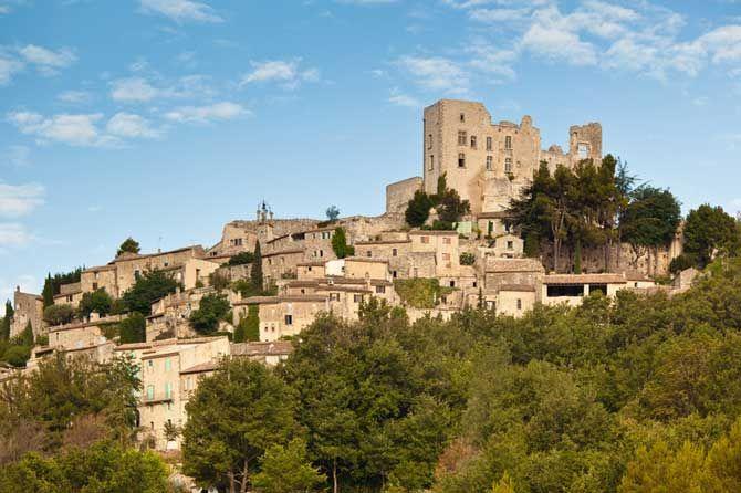 Lacoste-château-Fotolia_435 -Provence