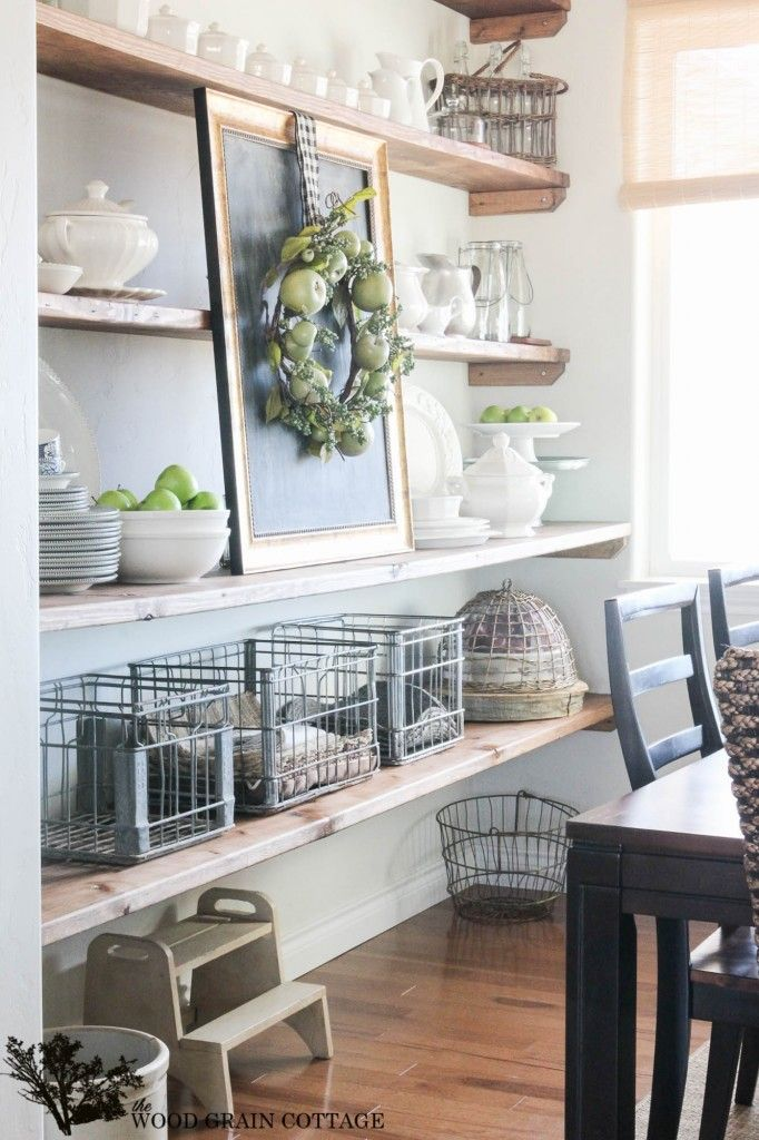 Open shelving in the dining room