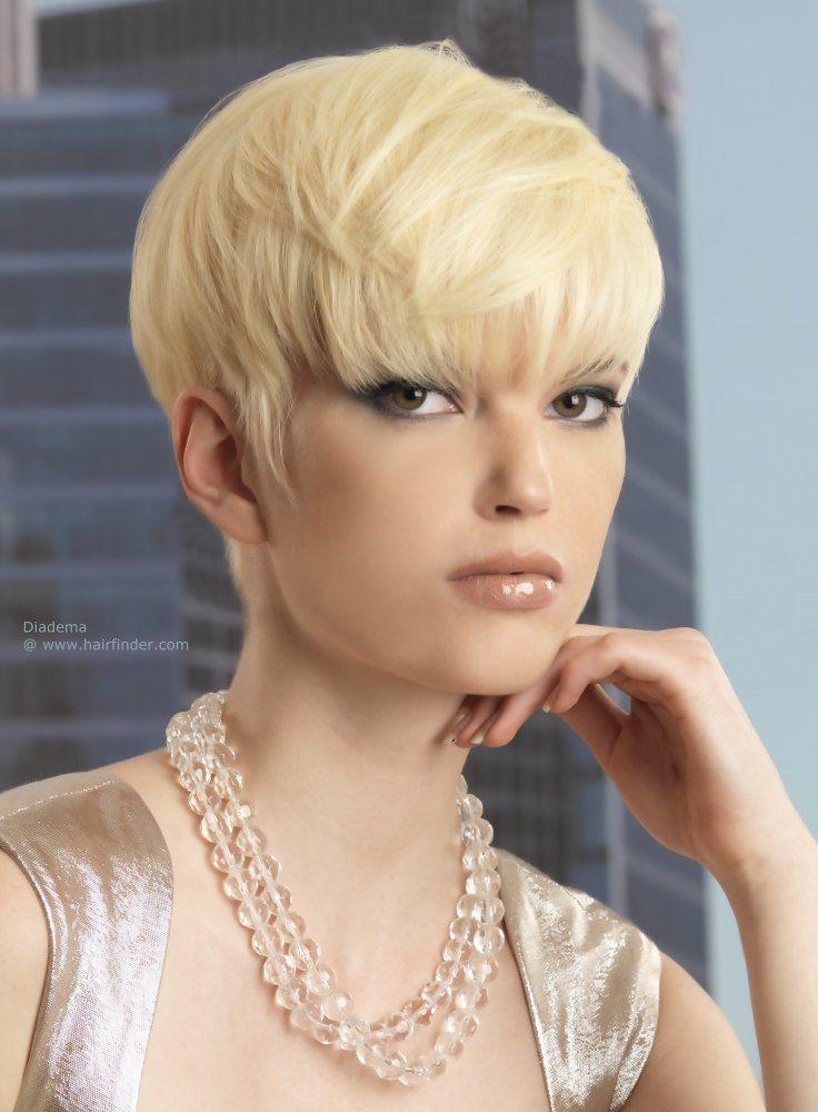 Épinglé par Martine sur coupe courte | Cheveux et Les coupes