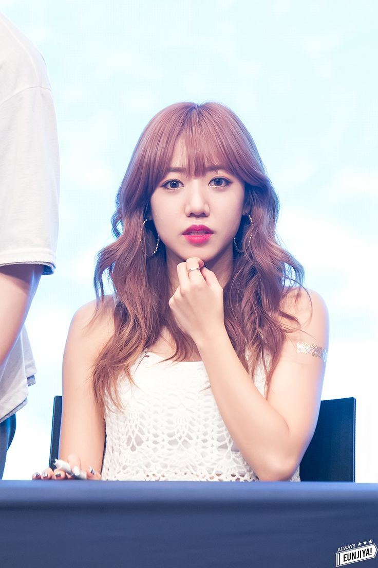 Namjoo is absolutely gorgeous ❤