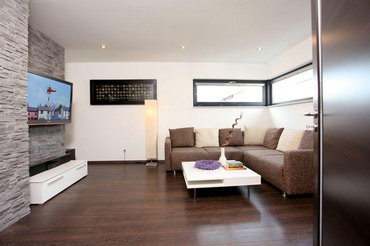 Wohnzimmer mit Steinwand Haus Pinterest Steinwand - wohnideen wohnzimmer braun weis