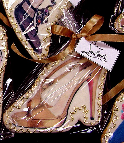 Christian Louboutin Cookies :) #shoes: Desserts Cookies Cupcake, Shoes Cookies, Cookies Crazy, Bakery Cookies, Brown Heels, Christian Louboutin Shoes, Glam Bakeries, Louboutin Cookies, Christianlouboutin
