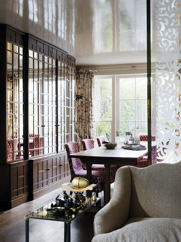 """Nina Campbell is arguably the queen of 'quintessentially  English'style.Her interiors are luxurious, yet warm and cosy. Layered,  but somehow ordered. Full of life, pattern and colour, and yet comforting  to the eye. Can you tell we're fans?  When we were offered the chance to share with you some photographs of her  London home AND share some of her words of wisdom, we said YES PLEASE.  Enjoy.  What makes a perfect interior?""""You need to have a spark, a flash of  something ..."""